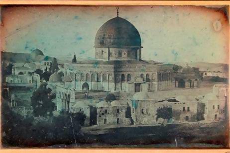 Joseph-Philibert Girault de Prangey, Dome of the Rock mosque, Jerusalem, 1844, Daguerreotype (half plaque) © Louvre Abu Dhabi Agence photo F